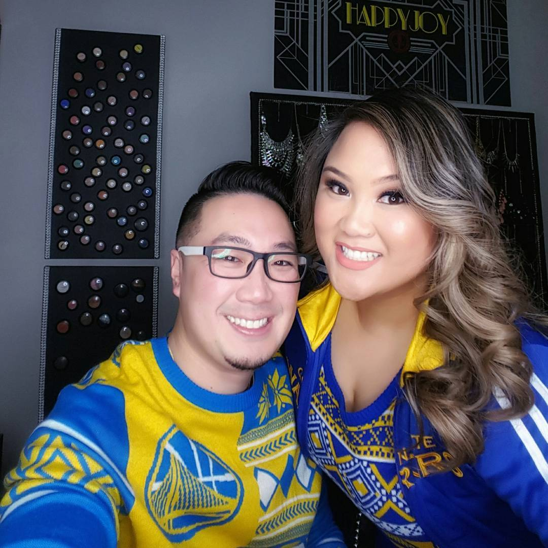 <div class='meta'><div class='origin-logo' data-origin='none'></div><span class='caption-text' data-credit='andrewwongphoto/Instagram'>Dub Nation is showing Golden State pride by sending their photos to ABC7 with #DubsOn7. Go Warriors!</span></div>