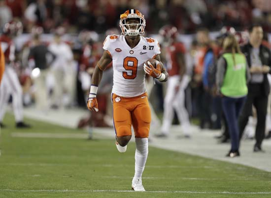 "<div class=""meta image-caption""><div class=""origin-logo origin-image ap""><span>AP</span></div><span class=""caption-text"">Clemson's Wayne Gallman warms up before the NCAA college football playoff championship game against Alabama Monday, Jan. 9, 2017, in Tampa, Fla. (AP Photo/Chris O'Meara) (AP)</span></div>"