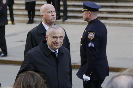 <div class='meta'><div class='origin-logo' data-origin='AP'></div><span class='caption-text' data-credit=''>Former New York City Police Commissioner William Bratton, and current Commissioner James O'Neill. (AP Photo/Richard Drew)</span></div>