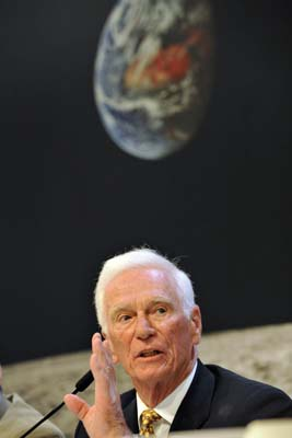 <div class='meta'><div class='origin-logo' data-origin='AP'></div><span class='caption-text' data-credit='ASSOCIATED PRESS'>Former U.S. astronaut Eugene Cernan speaks during a press conference at the world watch. (AP Photo/Keystone, Photopress/Georgios Kefalas)</span></div>
