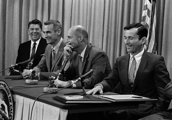 <div class='meta'><div class='origin-logo' data-origin='AP'></div><span class='caption-text' data-credit='AP'>California Governor Ronald Reagan, left, and Apollo 10 astronauts share a laugh during a news conference in Sacramento. (AP Photo/Walter J. Zeboski)</span></div>