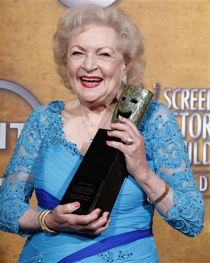 <div class='meta'><div class='origin-logo' data-origin='none'></div><span class='caption-text' data-credit='ASSOCIATED PRESS'>Actress Betty White poses backstage with the Life Achievement Award at the 16th Annual Screen Actors Guild Awards on Saturday, Jan. 23, 2010, in Los Angeles.  (AP Photo/Reed Saxon)</span></div>