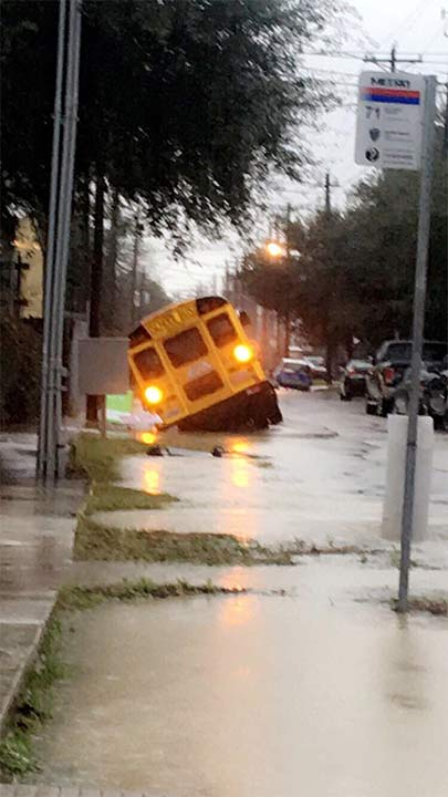 <div class='meta'><div class='origin-logo' data-origin='none'></div><span class='caption-text' data-credit='Taylor Crockett'>School bus on Kansas St in the Heights. Twitter: @crockett_taylor</span></div>