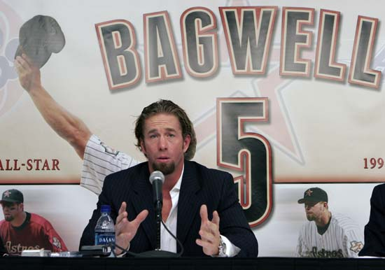 <div class='meta'><div class='origin-logo' data-origin='AP'></div><span class='caption-text' data-credit='Pat Sullivan'>Houston Astros long time first baseman and 4-time All-Star Jeff Bagwell announces his retirement from playing baseball in Houston, Friday, Dec. 15, 2006.</span></div>