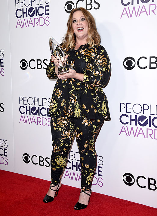 """<div class=""""meta image-caption""""><div class=""""origin-logo origin-image none""""><span>none</span></div><span class=""""caption-text"""">Melissa McCarthy poses in the press room with he award for favorite comedic movie actress at the People's Choice Awards at the Microsoft Theater on Wednesday, Jan. 18, 2017. (Jordan Strauss/Invision/AP)</span></div>"""