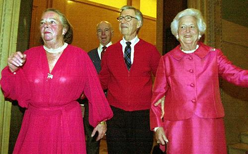 <div class='meta'><div class='origin-logo' data-origin='AP'></div><span class='caption-text' data-credit='AP Photo/Gene J. Puskar'>Elsie Hillman, left, accompanies television legend Fred Rogers, center, and former first lady Barbara Bush, right, at a gala fundraiser Thursday, Feb. 21, 2002, in Pittsburgh.</span></div>
