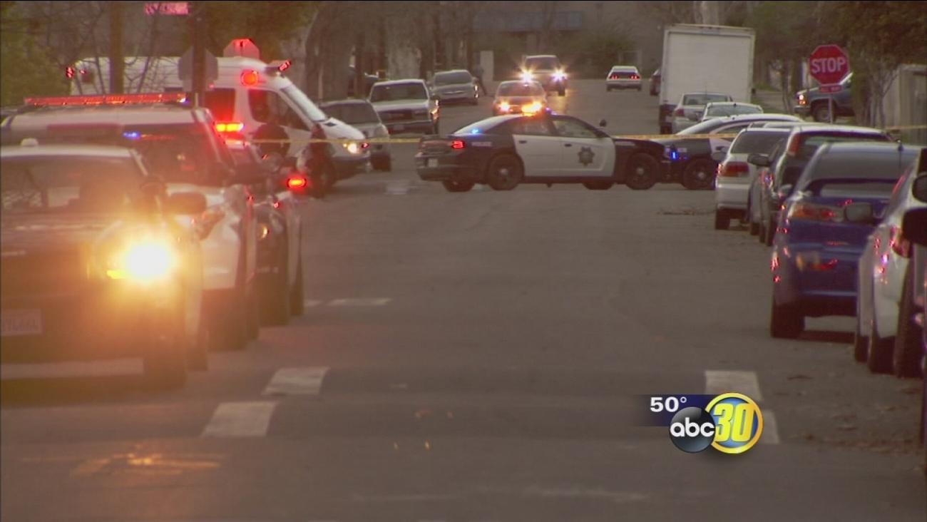 2 men injured in shooting near elementary school in Central Fresno