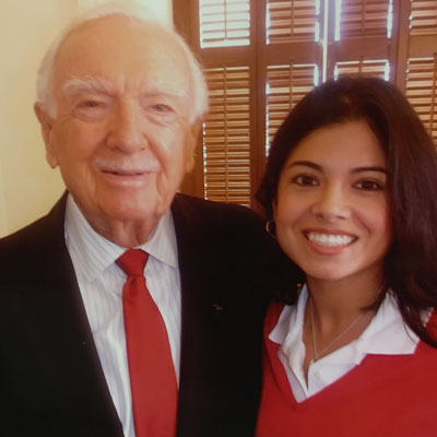 <div class='meta'><div class='origin-logo' data-origin='none'></div><span class='caption-text' data-credit=''>Consumer reporter Patricia Lopez meets fellow Texan and legendary journalist Walter Cronkite.</span></div>