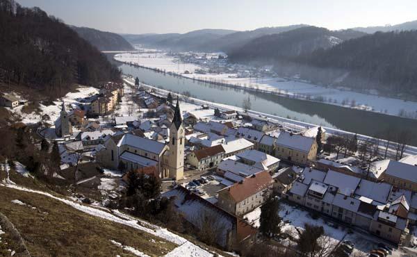 """<div class=""""meta image-caption""""><div class=""""origin-logo origin-image none""""><span>none</span></div><span class=""""caption-text"""">View of the town of Sevnica, Slovenia where Melania Trump grew up. (AP Photo/Darko Bandic) (AP)</span></div>"""