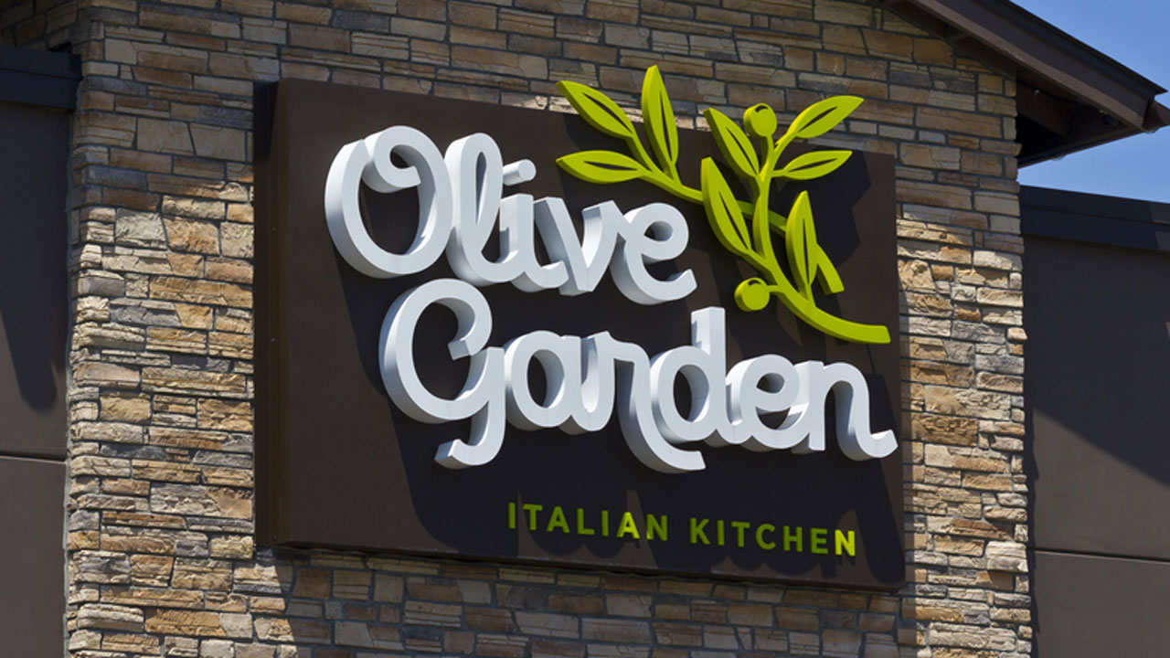 All The Pasta You Can Eat With Olive Garden S Never Ending: Olive Garden Brings Back Never Ending Classics, Unlimited