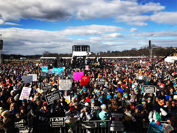 "<div class=""meta image-caption""><div class=""origin-logo origin-image none""><span>none</span></div><span class=""caption-text"">A photo shows the crowd at the March for Life in Washington, D.C. on Friday, Jan. 27. (anniecyo/Instagram)</span></div>"