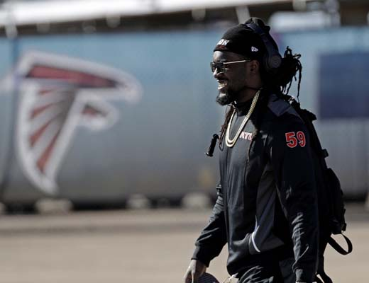 <div class='meta'><div class='origin-logo' data-origin='AP'></div><span class='caption-text' data-credit='AP'>Atlanta Falcons' De'Vondre Campbell smiles as the team arrives at George Bush Intercontinental Airport for the NFL Super Bowl 51. (AP Photo/David J. Phillip)</span></div>