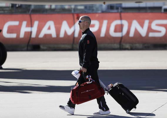 <div class='meta'><div class='origin-logo' data-origin='AP'></div><span class='caption-text' data-credit='AP'>Atlanta Falcons' Matt Bryant walks too the bus as the team arrives at George Bush Intercontinental Airport for the NFL Super Bowl 51. (AP Photo/Eric Gay)</span></div>