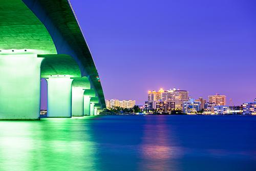 """<div class=""""meta image-caption""""><div class=""""origin-logo origin-image ktrk""""><span>KTRK</span></div><span class=""""caption-text"""">21. Sarasota, Florida. (Shutterstock)</span></div>"""