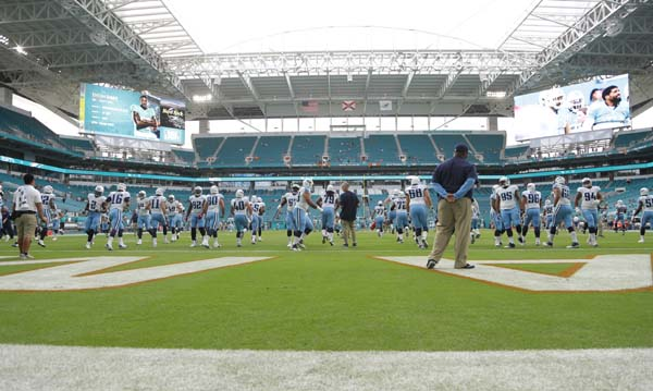 "<div class=""meta image-caption""><div class=""origin-logo origin-image ap""><span>AP</span></div><span class=""caption-text"">Hard Rock Stadium before an NFL preseason football game against the Miami Dolphins, Thursday, Sept. 1, 2016 in Miami Gardens, Fla. (AP Photo/Lynne Sladky) (AP)</span></div>"