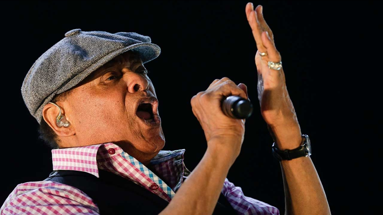 Al Jarreau Forced to Retire, and Tour Dates Are Canceled