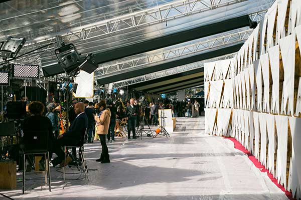 "<div class=""meta image-caption""><div class=""origin-logo origin-image none""><span>none</span></div><span class=""caption-text"">Crews prepare the red carpet ahead of the Oscars on Sunday, Feb. 26, 2017.</span></div>"