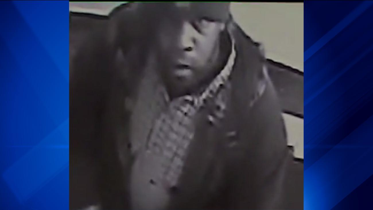 Man burglarized Gold Coast apartment as woman slept