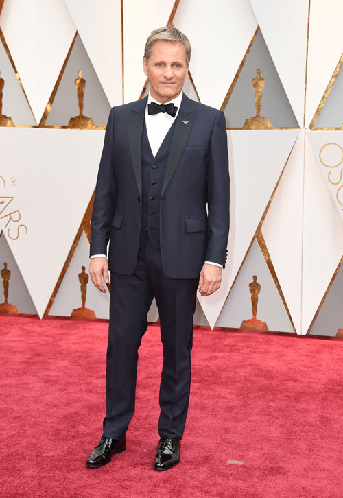 "<div class=""meta image-caption""><div class=""origin-logo origin-image ap""><span>AP</span></div><span class=""caption-text"">Viggo Mortensen arrives at the Oscars on Sunday, Feb. 26, 2017, at the Dolby Theatre in Los Angeles. (Photo by Jordan Strauss/Invision/AP)</span></div>"
