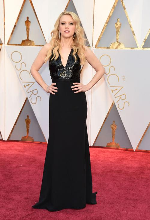 """<div class=""""meta image-caption""""><div class=""""origin-logo origin-image ap""""><span>AP</span></div><span class=""""caption-text"""">Kate McKinnon arrives at the Oscars on Sunday, Feb. 26, 2017, at the Dolby Theatre in Los Angeles. (Photo by Jordan Strauss/Invision/AP)</span></div>"""