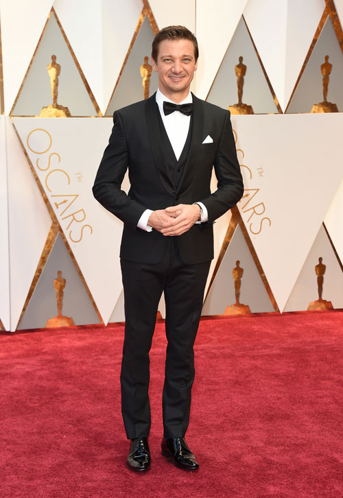 """<div class=""""meta image-caption""""><div class=""""origin-logo origin-image ap""""><span>AP</span></div><span class=""""caption-text"""">Jeremy Renner arrives at the Oscars on Sunday, Feb. 26, 2017, at the Dolby Theatre in Los Angeles. (Photo by Jordan Strauss/Invision/AP)</span></div>"""