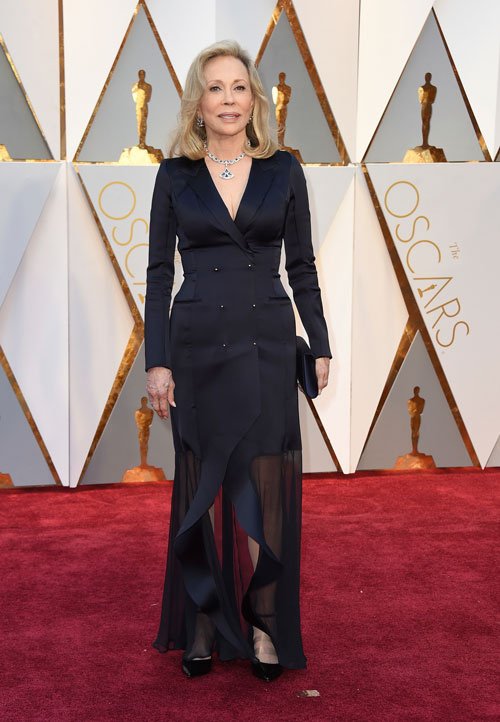 <div class='meta'><div class='origin-logo' data-origin='AP'></div><span class='caption-text' data-credit='Photo by Jordan Strauss/Invision/AP'>Faye Dunaway arrives at the Oscars on Sunday, Feb. 26, 2017, at the Dolby Theatre in Los Angeles.</span></div>