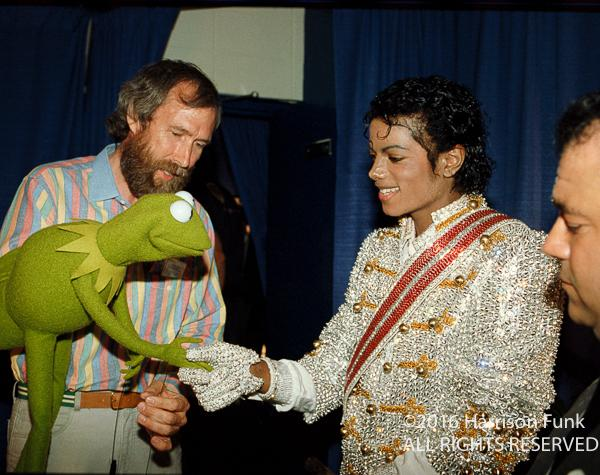 "<div class=""meta image-caption""><div class=""origin-logo origin-image none""><span>none</span></div><span class=""caption-text"">Michael Jackson meets Kermit the Frog and Jim Henson backstage at Madison Square Garden during the 1984 Victory Tour. (Harrison Funk/ALL RIGHTS RESERVED)</span></div>"