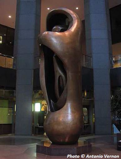 "<div class=""meta image-caption""><div class=""origin-logo origin-image wls""><span>WLS</span></div><span class=""caption-text"">Chicago's 20th Century Public Sculptures</span></div>"