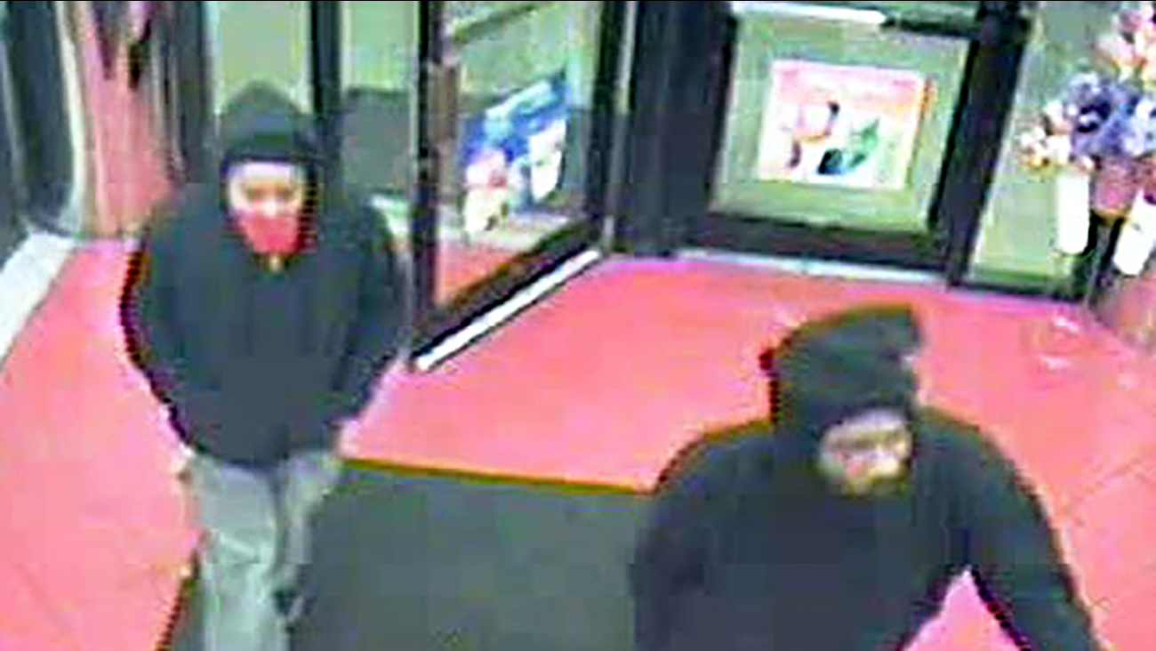 The two suspects in Sunday's Circle K robbery in Durham.