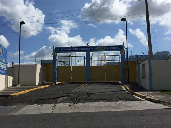 <div class='meta'><div class='origin-logo' data-origin='KTRK'></div><span class='caption-text' data-credit=''>Larry Davis is accused of smuggling drugs into the Dominican Republic.</span></div>