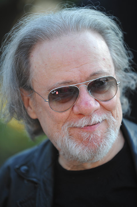 "<div class=""meta image-caption""><div class=""origin-logo origin-image ""><span></span></div><span class=""caption-text"">Tommy Ramone, who was a co-founder and the last living member of the Ramones, died Friday, July 11, 2014. He was 65. (Richard Shotwell/Invision/AP)</span></div>"