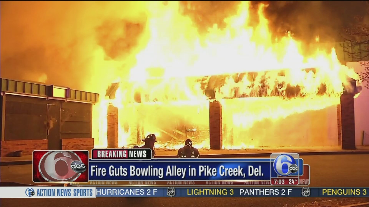 Fire Erupts At Closed Bowling Alley In Pike Creek 6abc Com