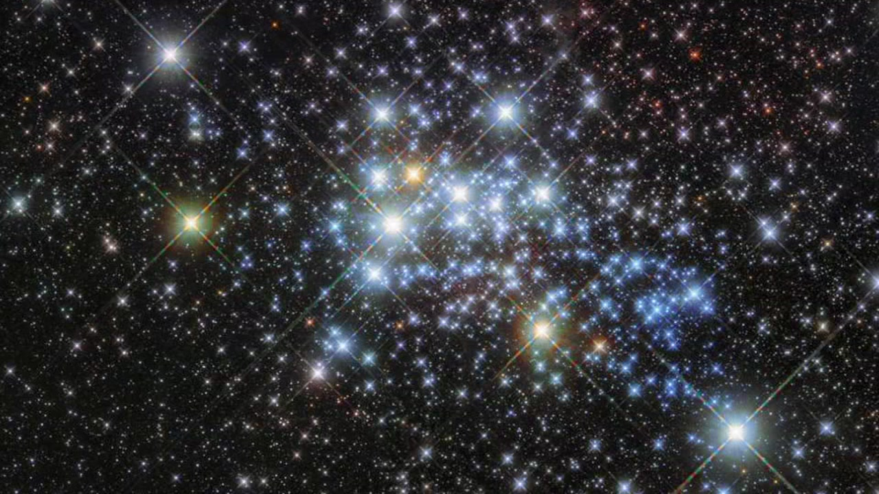 "The European Space Agency and Nasa provided an incredible Hubble Telescope picture of a young super star cluster known as ""Westerlund 1."""