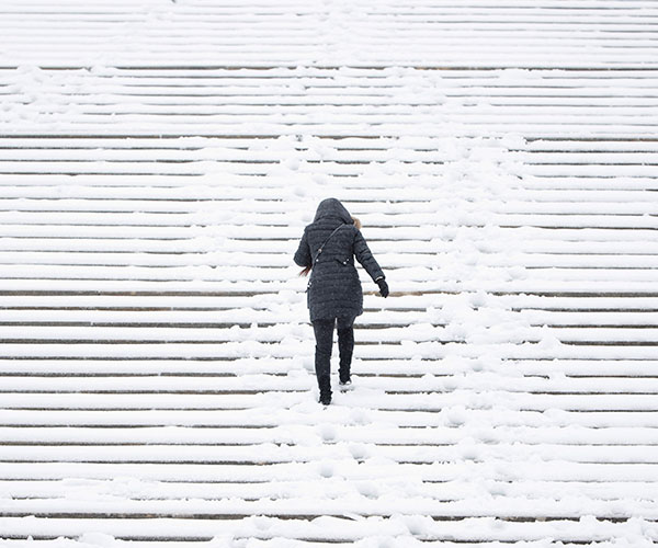 "<div class=""meta image-caption""><div class=""origin-logo origin-image kfsn""><span>kfsn</span></div><span class=""caption-text"">A woman climbs snow-covered steps in Philadelphia. (Matt Rourke/AP)</span></div>"
