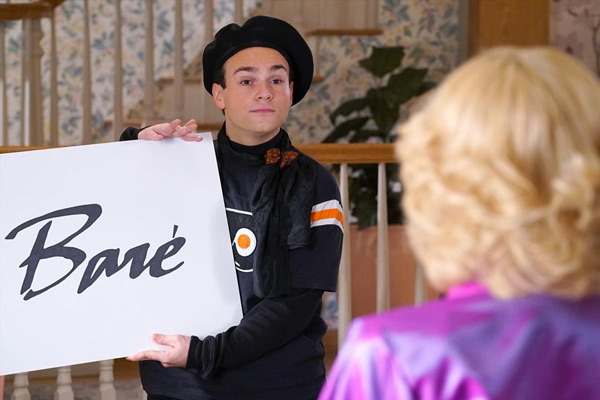 "<div class=""meta image-caption""><div class=""origin-logo origin-image abc""><span>ABC</span></div><span class=""caption-text"">ABC's The Goldbergs features their own Flyers Fashion Show! (ABC/Byron Cohen)</span></div>"