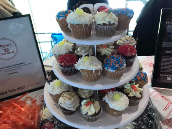 "<div class=""meta image-caption""><div class=""origin-logo origin-image none""><span>none</span></div><span class=""caption-text"">Cupcakes at 'Mama's of Corona'</span></div>"