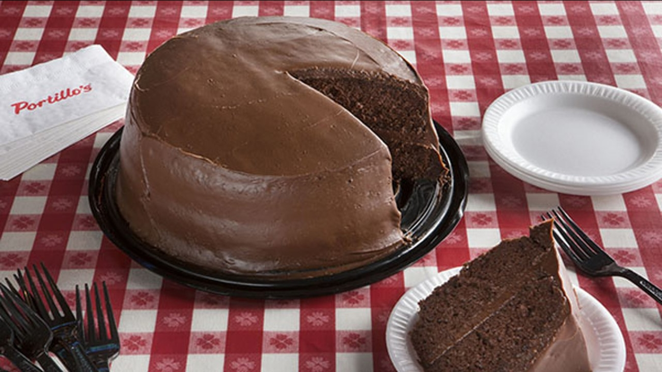 Portillo S Offering Chocolate Cake Slices For 55 Cents In Honor Of Restaurant Anniversary Abc7chicago Com