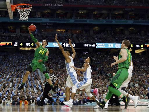 """<div class=""""meta image-caption""""><div class=""""origin-logo origin-image none""""><span>none</span></div><span class=""""caption-text"""">Oregon's Dillon Brooks (24) goes up for a basket  (AP Photo/David J. Phillip) (AP)</span></div>"""