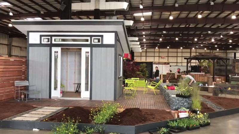 Move In Day For 2017 San Francisco Flower And Garden Show In San