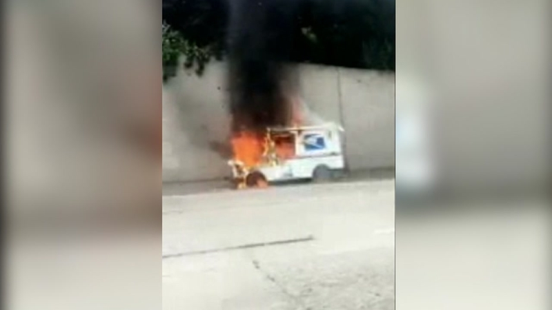 Postal Service Truck Catches Fire On I 580 In Oakland Abc7 San