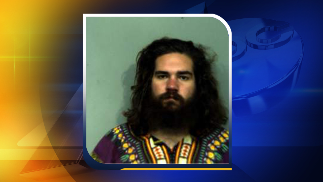 VA man arrested, charged with attempted carjacking