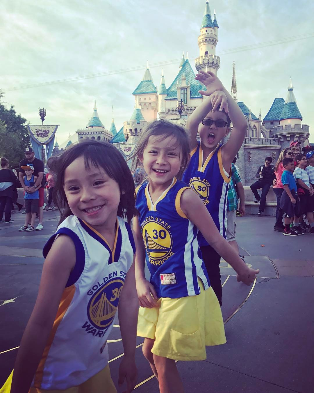 "<div class=""meta image-caption""><div class=""origin-logo origin-image none""><span>none</span></div><span class=""caption-text"">Golden State Warriors fans are showing their spirit by tagging their photos #DubsOn7. (stel.rn/Instagram)</span></div>"