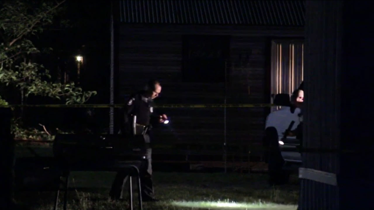 Wayne County Sheriff's Office detectives investigate.