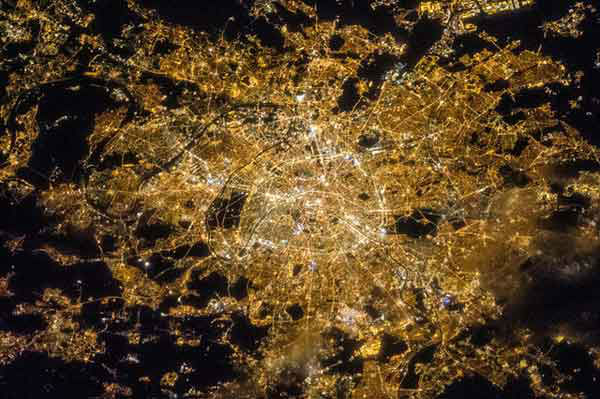 "<div class=""meta image-caption""><div class=""origin-logo origin-image ""><span></span></div><span class=""caption-text"">That's it for the U.S. cities. Now onto the world (There are a few countries thrown in here). This is Paris.</span></div>"