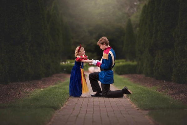 "<div class=""meta image-caption""><div class=""origin-logo origin-image none""><span>none</span></div><span class=""caption-text"">An Ohio mother is sharing a magical surprise her 13-year-old son planned for his little sister. (Paint the Sky Photography)</span></div>"