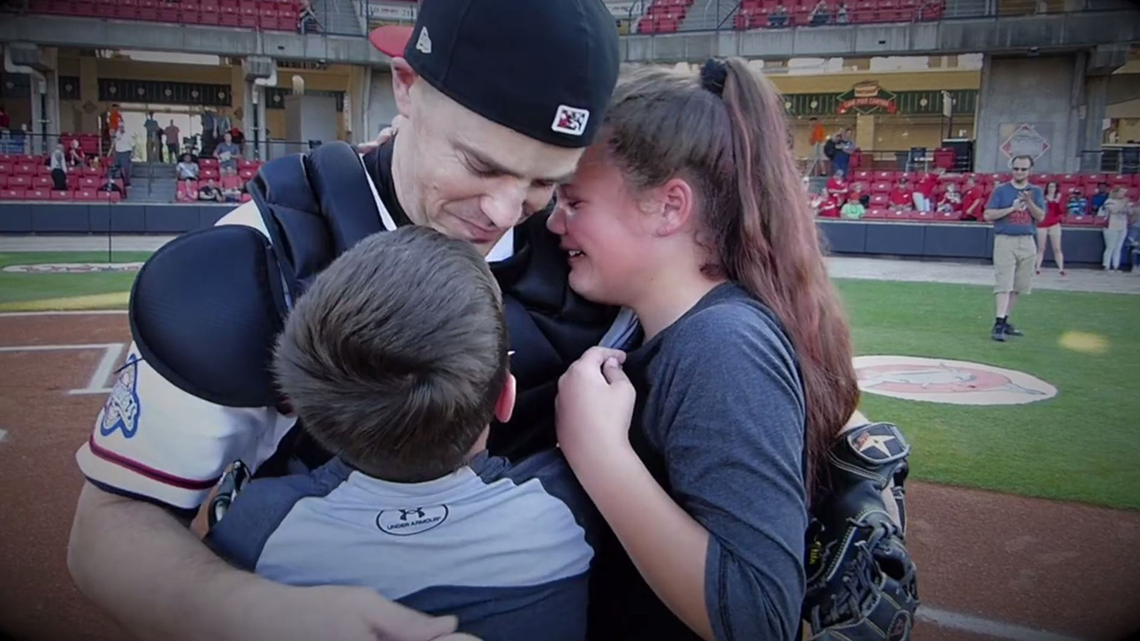 The Carolina Mudcats helped a military dad surprise his kids
