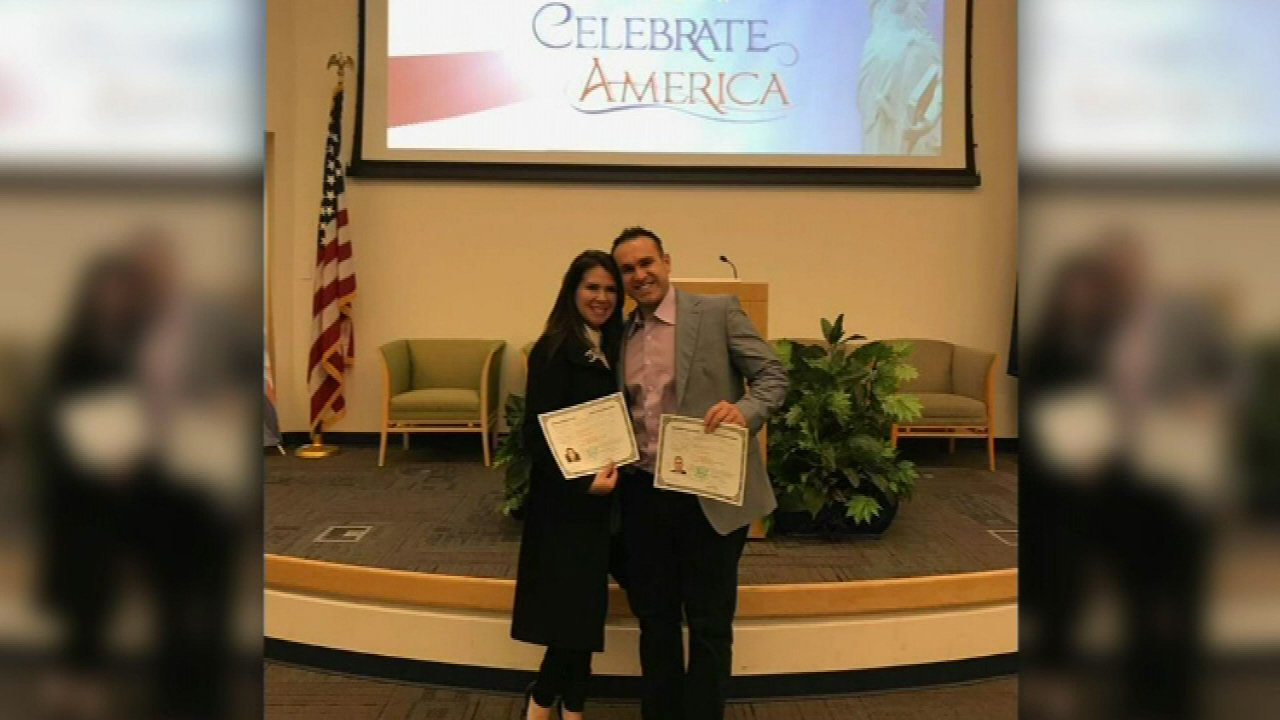 Cubs player Miguel Montero and wife Vanessa become U.S. citizens
