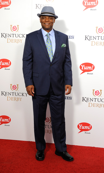 "<div class=""meta image-caption""><div class=""origin-logo origin-image kabc""><span>kabc</span></div><span class=""caption-text"">Warren Moon arrives on the red carpet at the 2015 Kentucky Derby. (Joe Imel/AP)</span></div>"