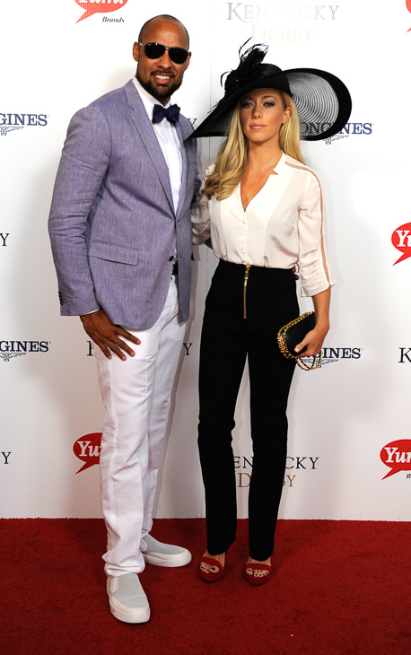 "<div class=""meta image-caption""><div class=""origin-logo origin-image kabc""><span>kabc</span></div><span class=""caption-text"">Hank Baskett and Kendra Wilkinson arrive on the red carpet at the 2015 Kentucky Derby. (Joe Imel/AP)</span></div>"