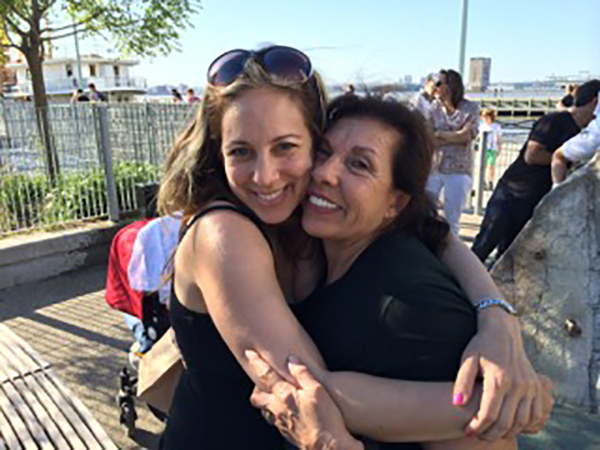 "<div class=""meta image-caption""><div class=""origin-logo origin-image wabc""><span>WABC</span></div><span class=""caption-text"">Lauren Glassberg and her mother.</span></div>"